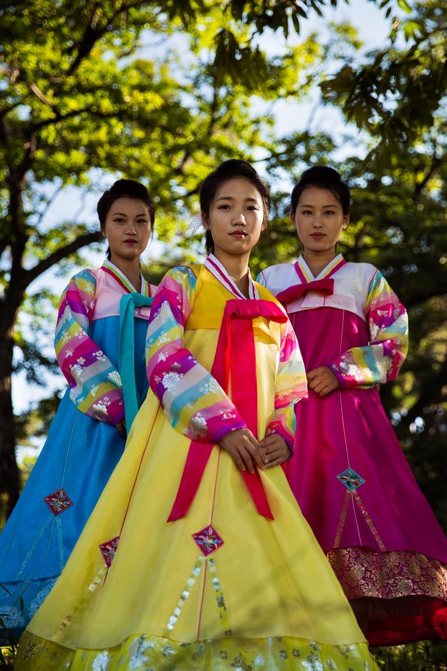Румынский фотограф отправилась в Северную Корею, чтобы запечатлеть красоту местных женщин