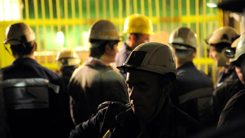Кемеровские спасатели вывели более 500 горняков из горящей шахты