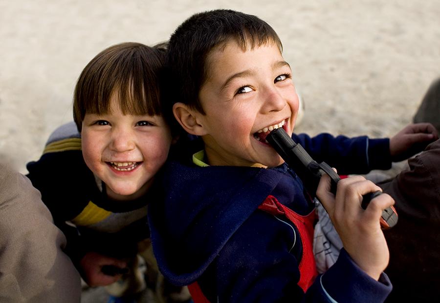 В США родители дают детям оружие, чтобы те смогли защитить себя в школе