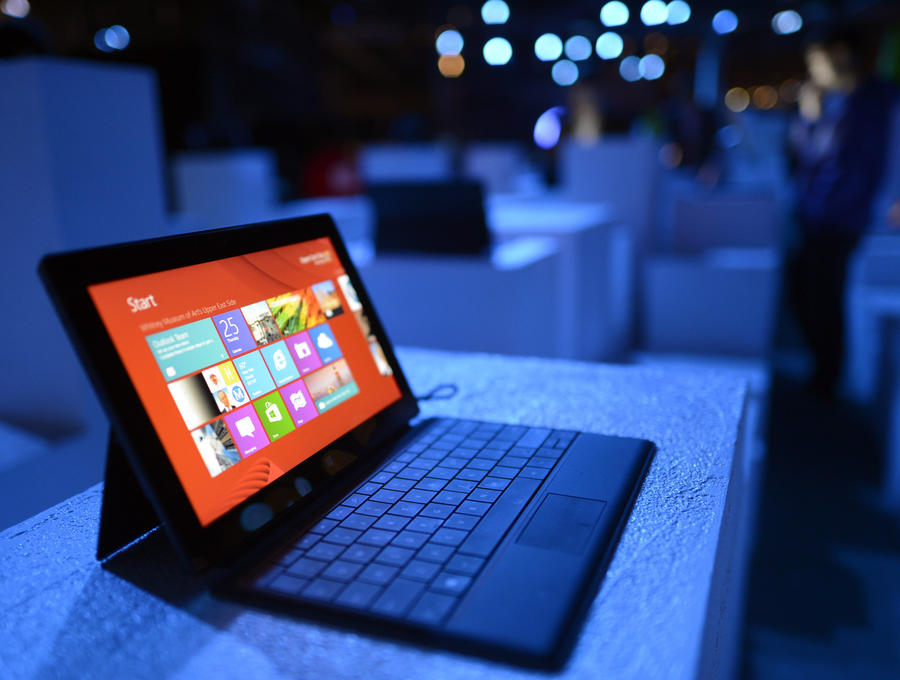 Провал на рынке планшета Surface стоил Microsoft $1 млрд