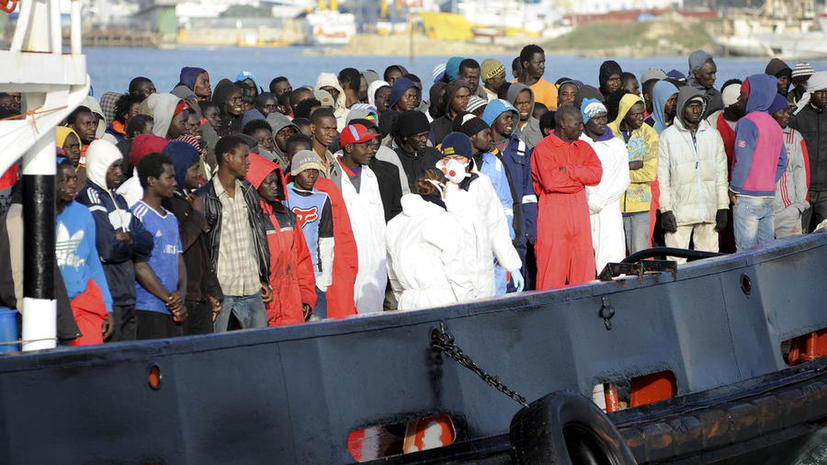 У берегов Ливии затонуло судно с 700 мигрантами, есть погибшие