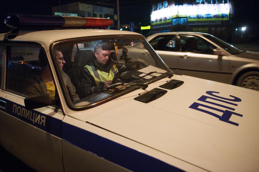 Сотрудников ГИБДД уличили в оказании услуг VIP-эскорта