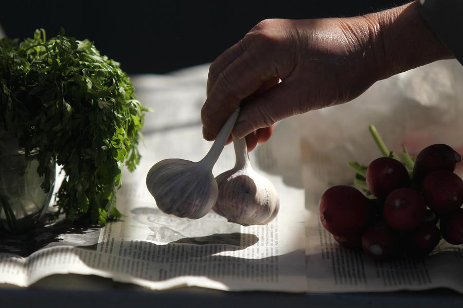 Госдума рассмотрит законопроект об охране граждан от последствий потребления чеснока