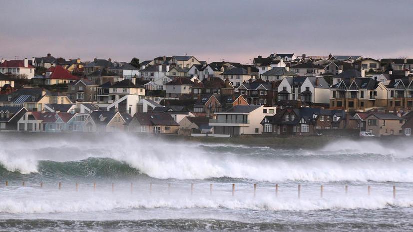 Накануне Рождества на Великобританию обрушились штормы и наводнения