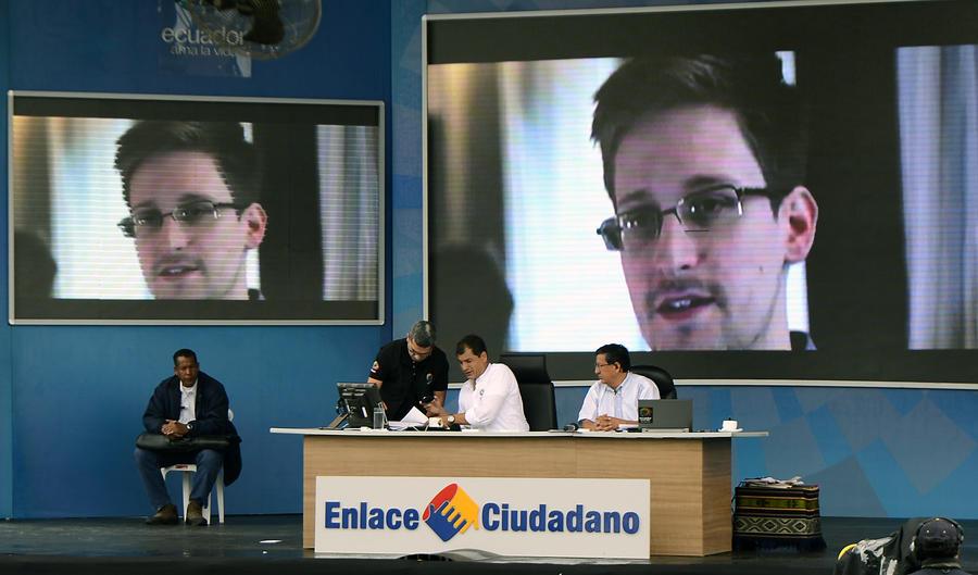 Эдвард Сноуден нарушил молчание, чтобы пообещать новые разоблачения