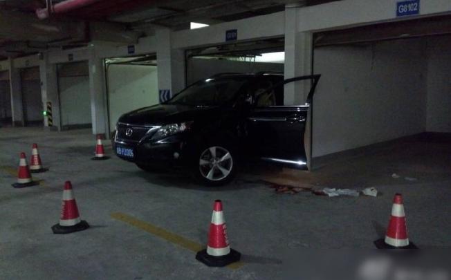 До гробовой доски: китаянка, паркуясь, задавила мужа, а через минуту погибла сама