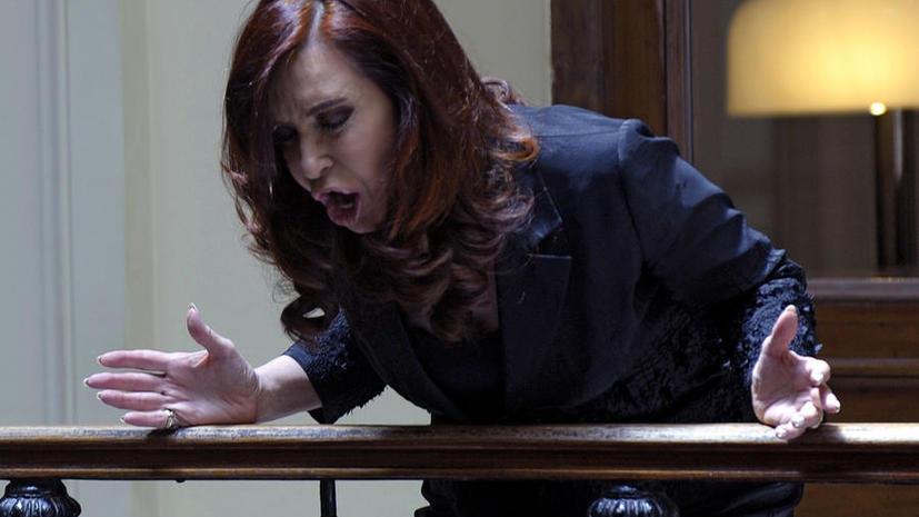 Президент Уругвая оскорбил главу Аргентины: «Эта старуха еще хуже, чем тот косоглазый»