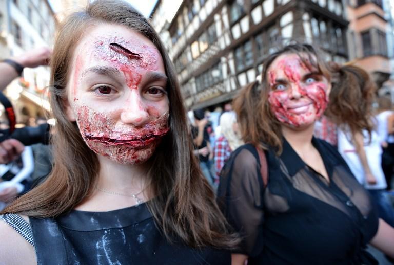 В Брюсселе в рамках фестиваля фантастических фильмов прошел зомби-парад