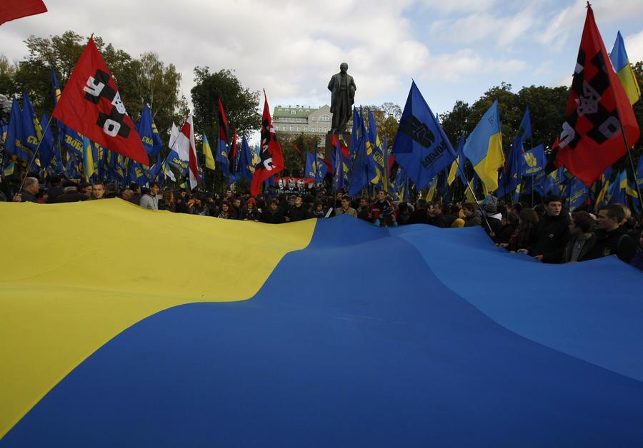 Немецкие СМИ: Раскол в Киеве грозит перерасти в гражданскую войну на западе Украины