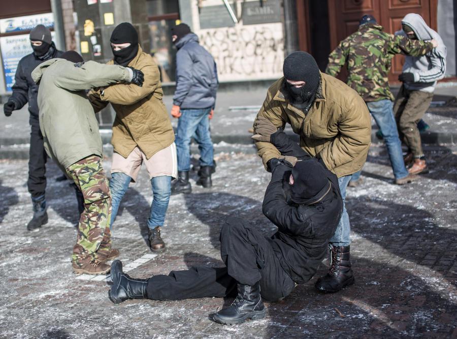 МВД Украины задержало банду подростков-убийц с «евромайдана»