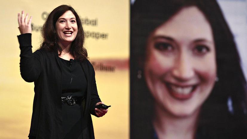 Сестра Цукерберга напишет мемуары о Facebook