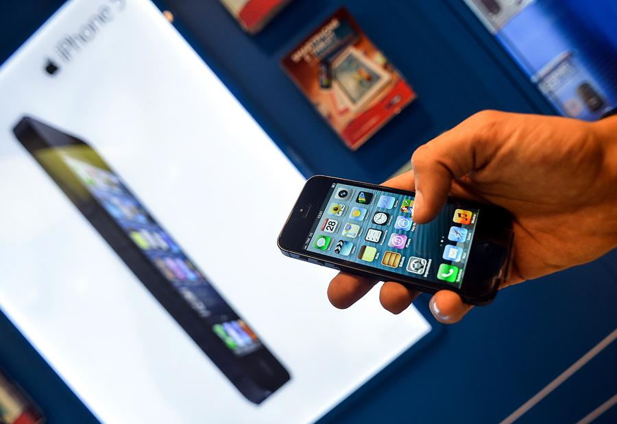 Apple выигрывает в войне за рынок смартфонов, но Google и Samsung не сдают позиции