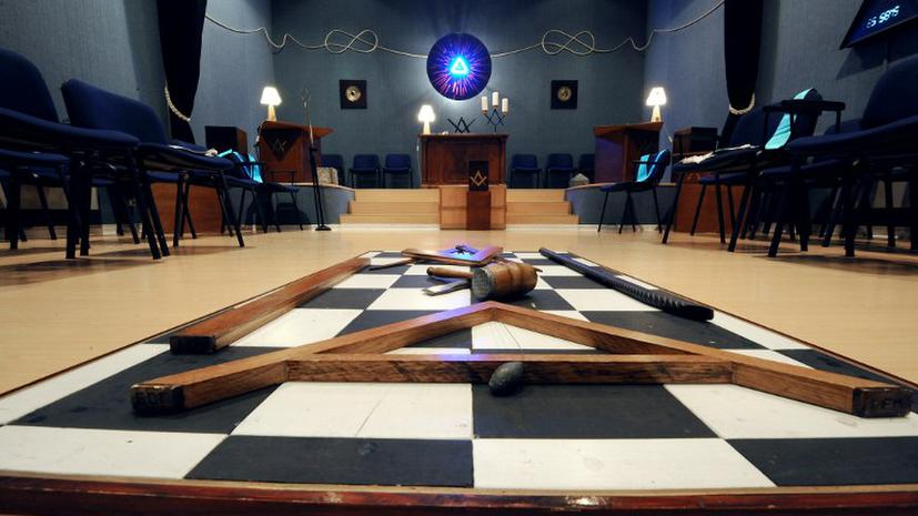 Французу дали 8 лет тюрьмы за запугивание семьи аристократов масонским заговором