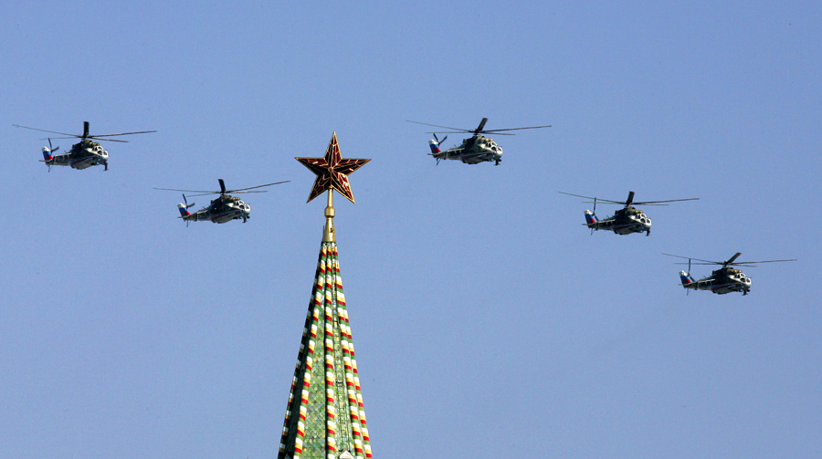 Президент России будет прилетать в Кремль на вертолете