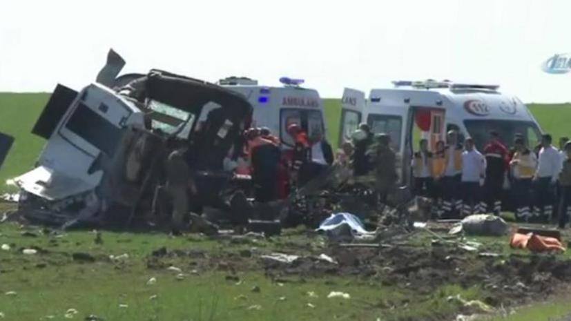 В результате атаки на военный конвой в Турции погибли семь человек
