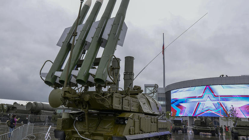 Итоги работы первого дня форума «Армия-2015» в фото и видео