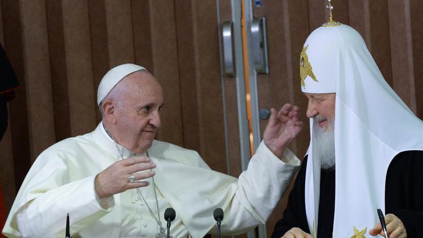 Представители двух Церквей рассказали RT подробности встречи Папы Франциска и патриарха Кирилла