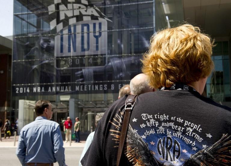 Национальная стрелковая ассоциация США устроила для детей лотерею с оружием в качестве главного приза