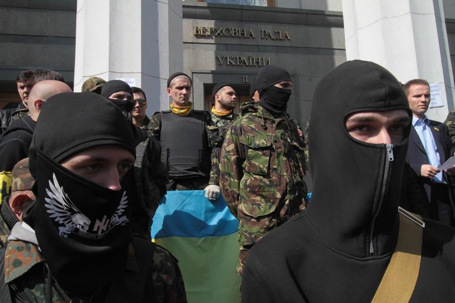 Итальянские СМИ: Киеву следует бояться не России, а «Правого сектора»