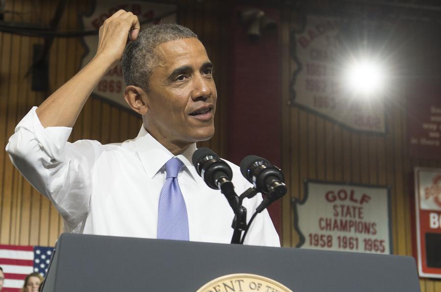Обама — не Шарли: президент США не принял участия в марше единства в Париже