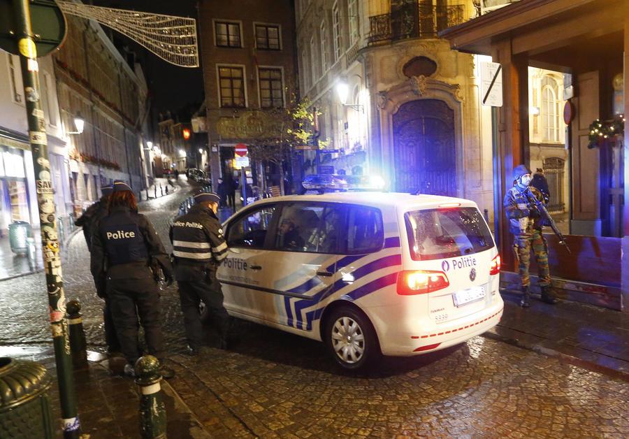 Спецоперация в Бельгии: 16 человек задержаны, главный подозреваемый в парижских терактах на свободе