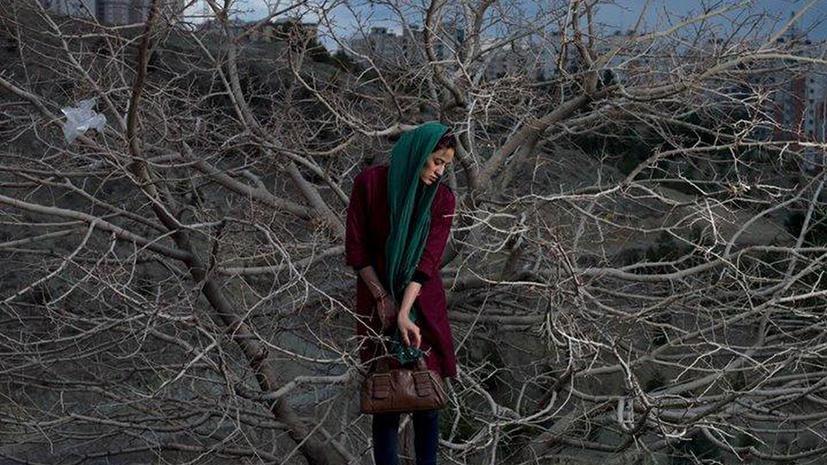 Иранский фотограф была вынуждена отказаться от награды за серию фотографий о жизни своей страны