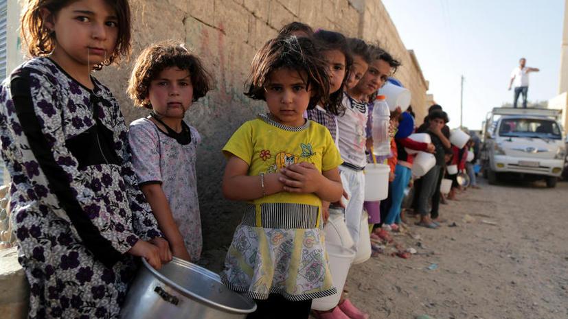 Сирийские боевики заставляют школьников носить традиционную мусульманскую одежду