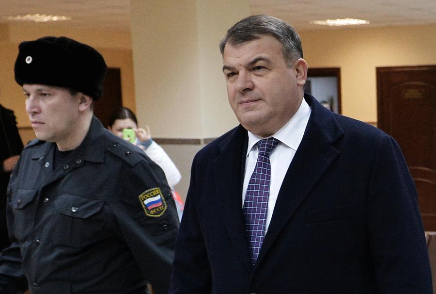 Экс-министр обороны РФ Анатолий Сердюков может вновь попасть под следствие