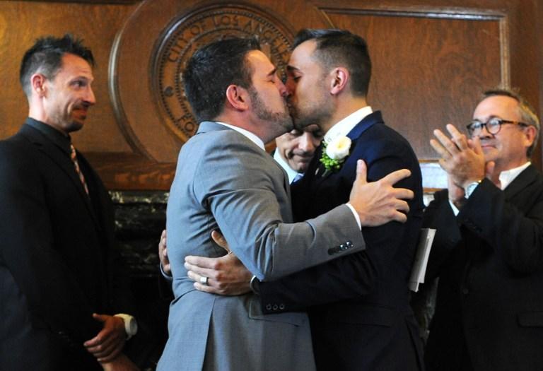 Правительство Великобритании пожертвует английским языком ради счастья геев