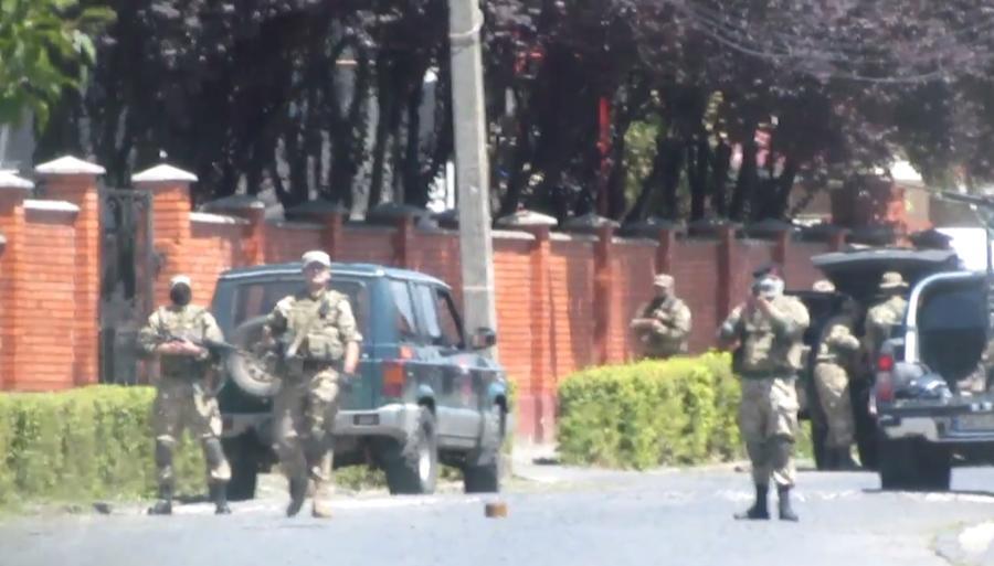 СМИ: Разборки «Правого сектора» поставили под угрозу перспективу безвизового режима Украины с ЕС