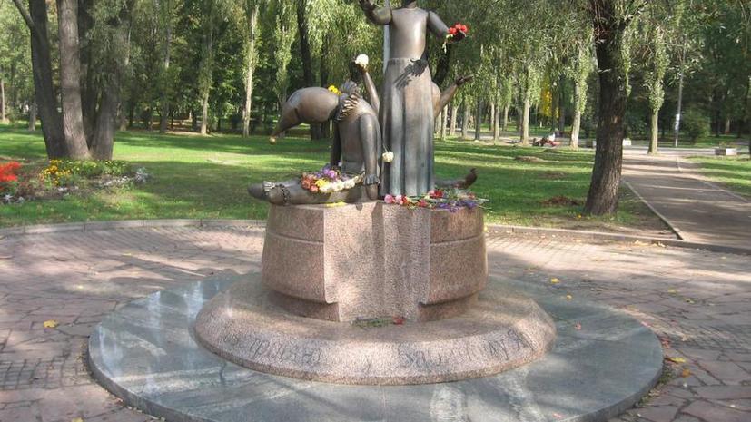Украинские националисты намерены уничтожить все памятники советского прошлого