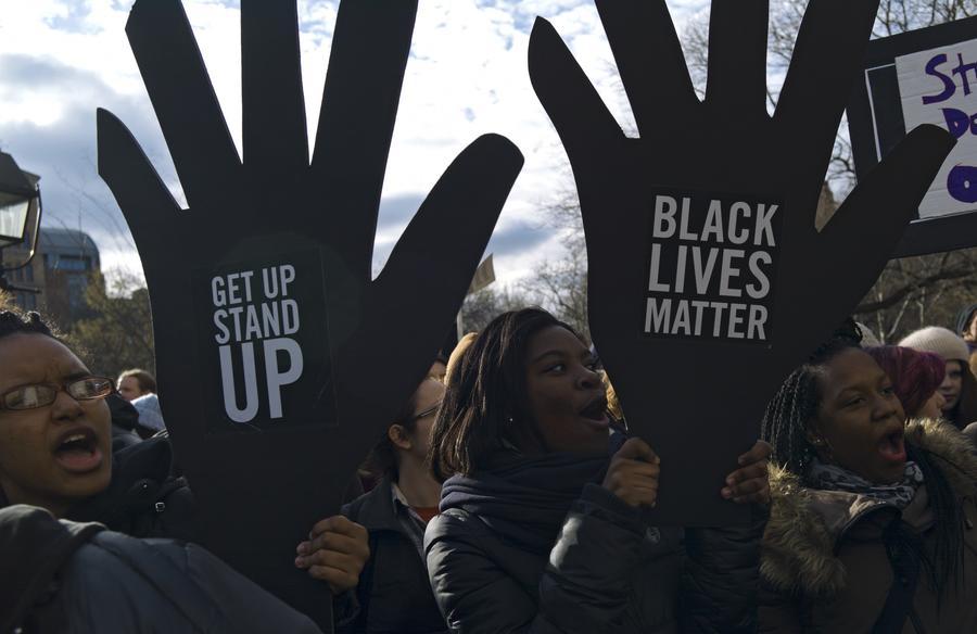 Эксперт: Расовая нетерпимость глубоко укоренилась в американском обществе