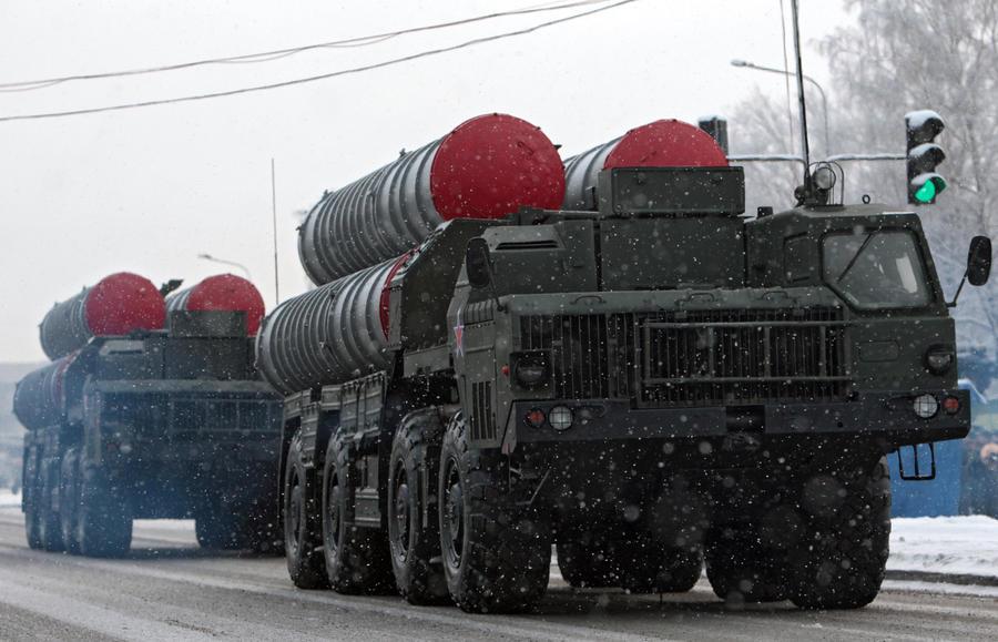 Россия бесплатно поставит Казахстану зенитно-ракетные комплексы С-300