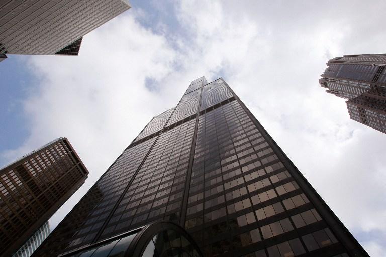 Инвалид покорил небоскреб в Чикаго