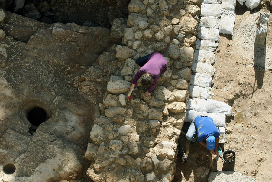 Израильские археологи раскопали дворец библейского царя Давида