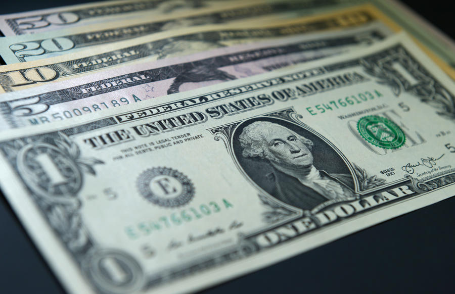 Немецкие СМИ: США воюют против России и ЕС с помощью доллара