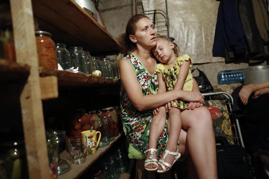 Нобелевский лауреат осудил гибель детей на востоке Украины