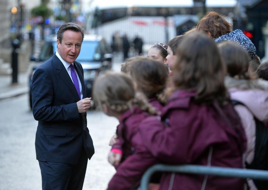 СМИ: Британские разведчики советовали Кэмерону не направлять войска на Украину
