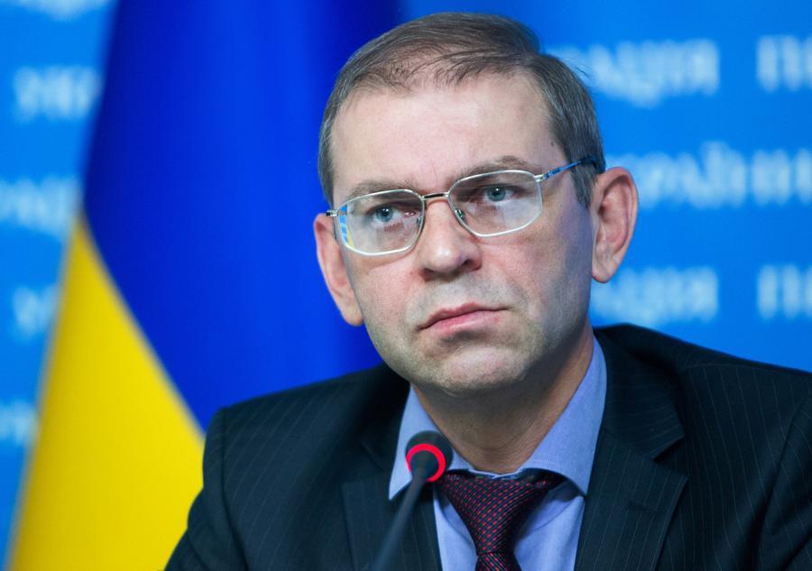 Экс-глава администрации президента Украины: Мы приказывали военным в Крыму стрелять на поражение