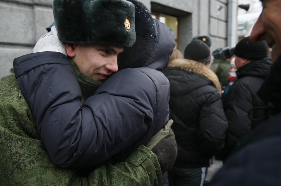 Депутаты Госдумы готовы дать каждому дембелю по 120 тыс. рублей