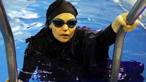 Рекорд иранской пловчихи отменили из-за несоответствия купальника законам шариата