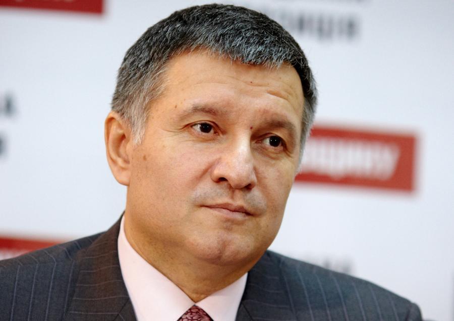 Аваков: Установлены личности всех подозреваемых в стрельбе в центре Киева
