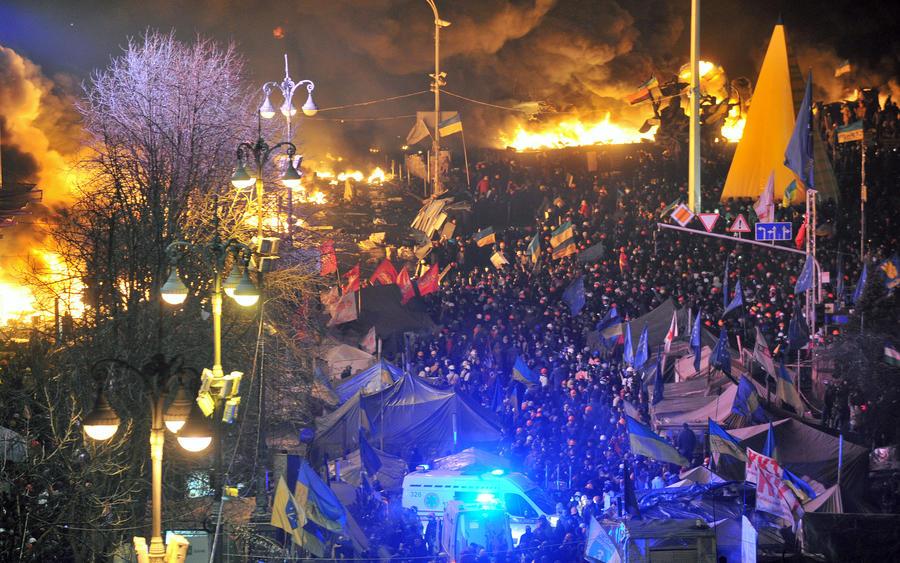 Протестующие в Киеве захватили лейтенанта внутренних войск