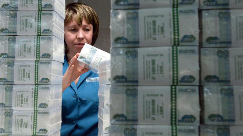 Госдума может обязать работодателей ежегодно индексировать зарплаты