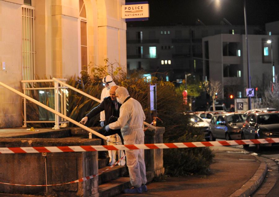 Во Франции вооружённый исламист совершил нападение на полицейский комиссариат