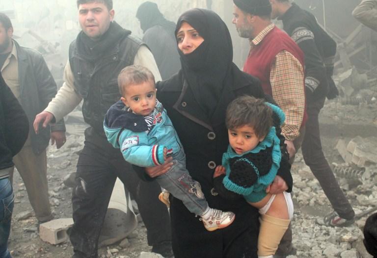 Очевидец: Боевики в сирийской Адре чинили зверства над безоружными людьми
