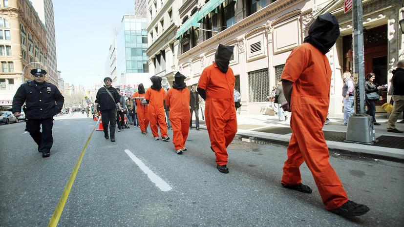 Пять узников лагеря Гуантанамо отправлены на поселение в Казахстан