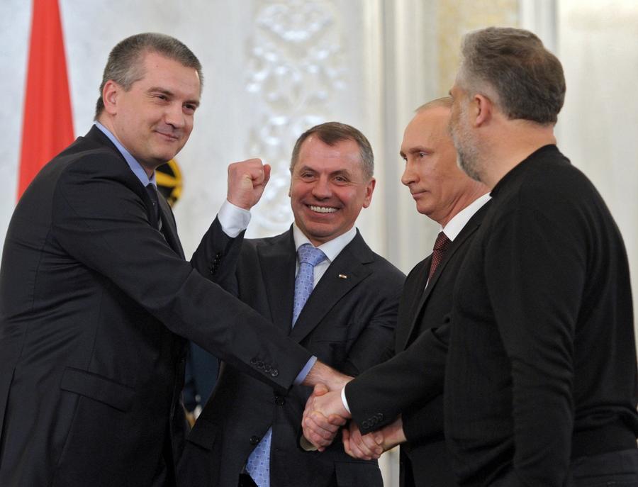 Президент Путин внёс на ратификацию в Госдуму Договор о вступлении Крыма в состав России