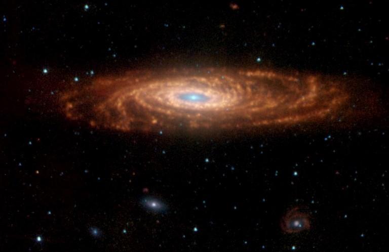 Крупнейшая спиральная галактика открыта по чистой случайности