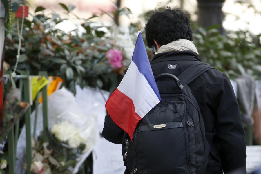 Продавший автоматы террористам из Парижа торговец арестован в Германии